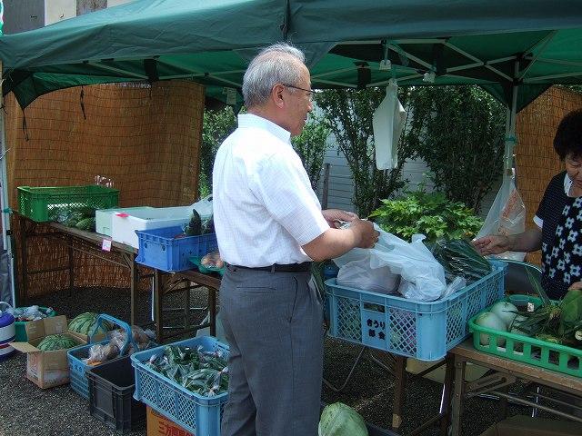 信州佐久の水を守るシンポジウム 農業委員会産の野菜販売